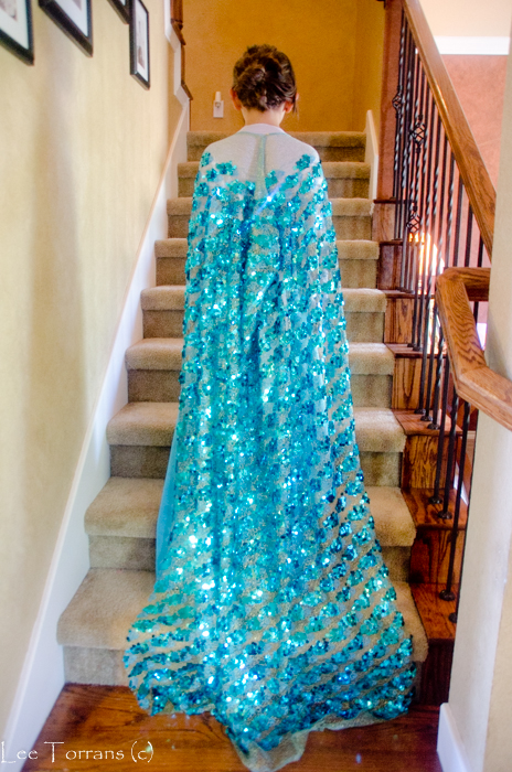 How to Make an Elsa Cape from Frozen